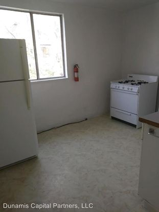 2 Bedrooms 1 Bathroom Apartment for rent at 723 Taylor Street in Avalon, PA