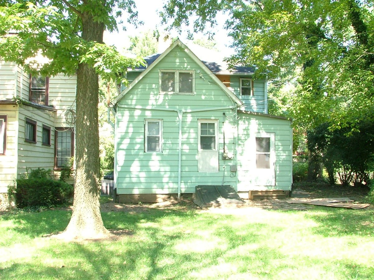 4 Bedrooms 1 Bathroom House for rent at 35 W Oakland in Columbus, OH