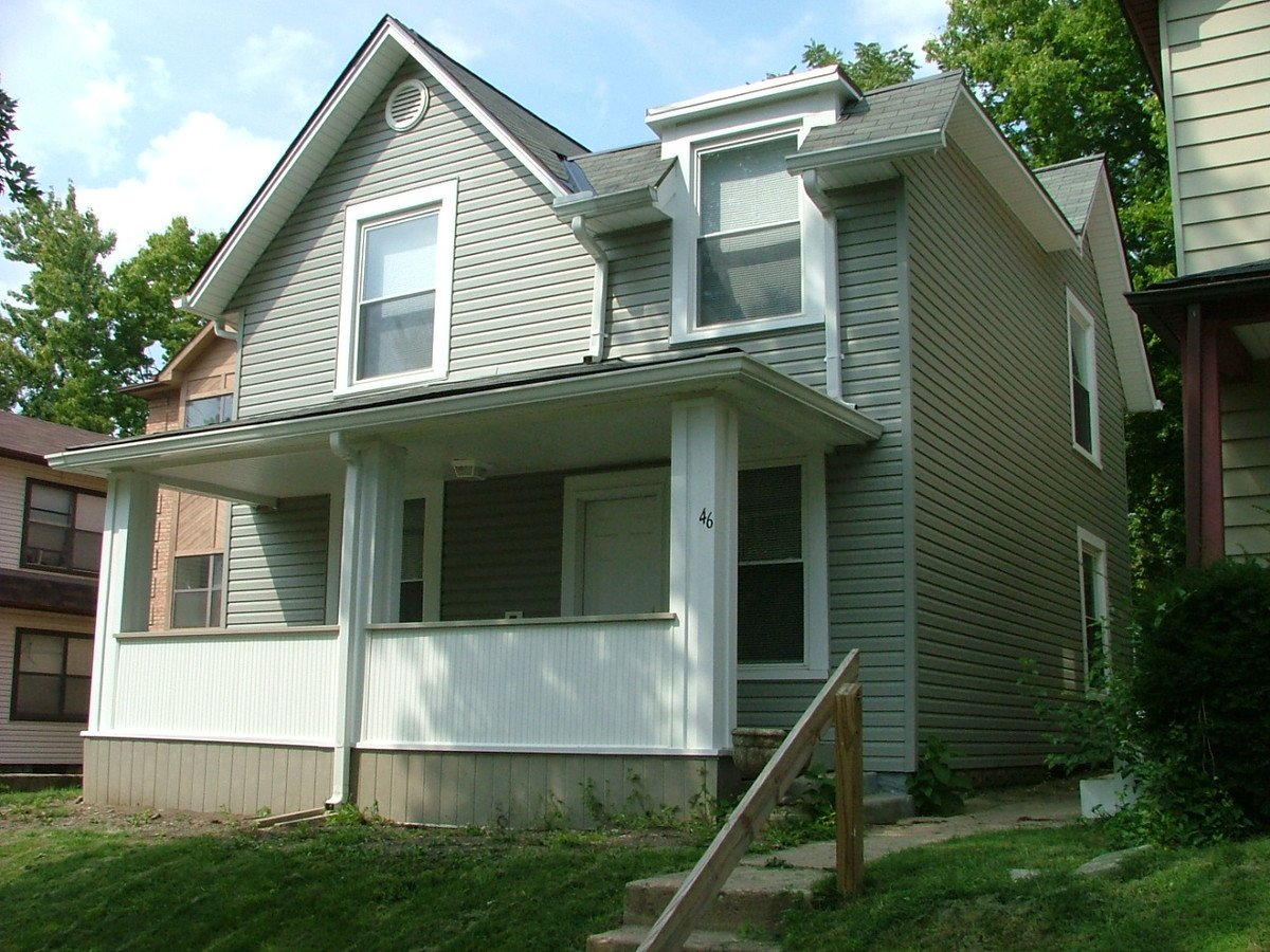 3 Bedrooms 2 Bathrooms House for rent at 46 W Northwood in Columbus, OH