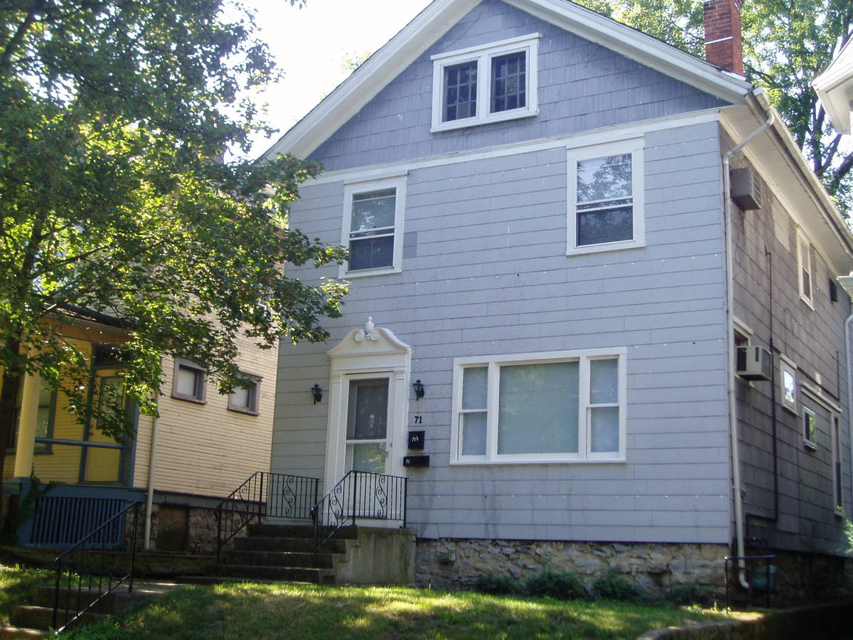 1 Bedroom 1 Bathroom Apartment for rent at 71 W Oakland in Columbus, OH