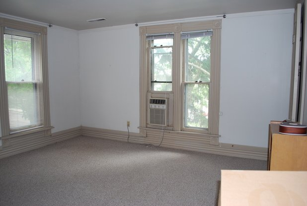 4 Bedrooms 1 Bathroom Apartment for rent at 51 W Northwood Avenue in Columbus, OH