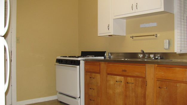 2 Bedrooms 1 Bathroom Apartment for rent at 17 West Oakland Ave #1 and #2 in Columbus, OH