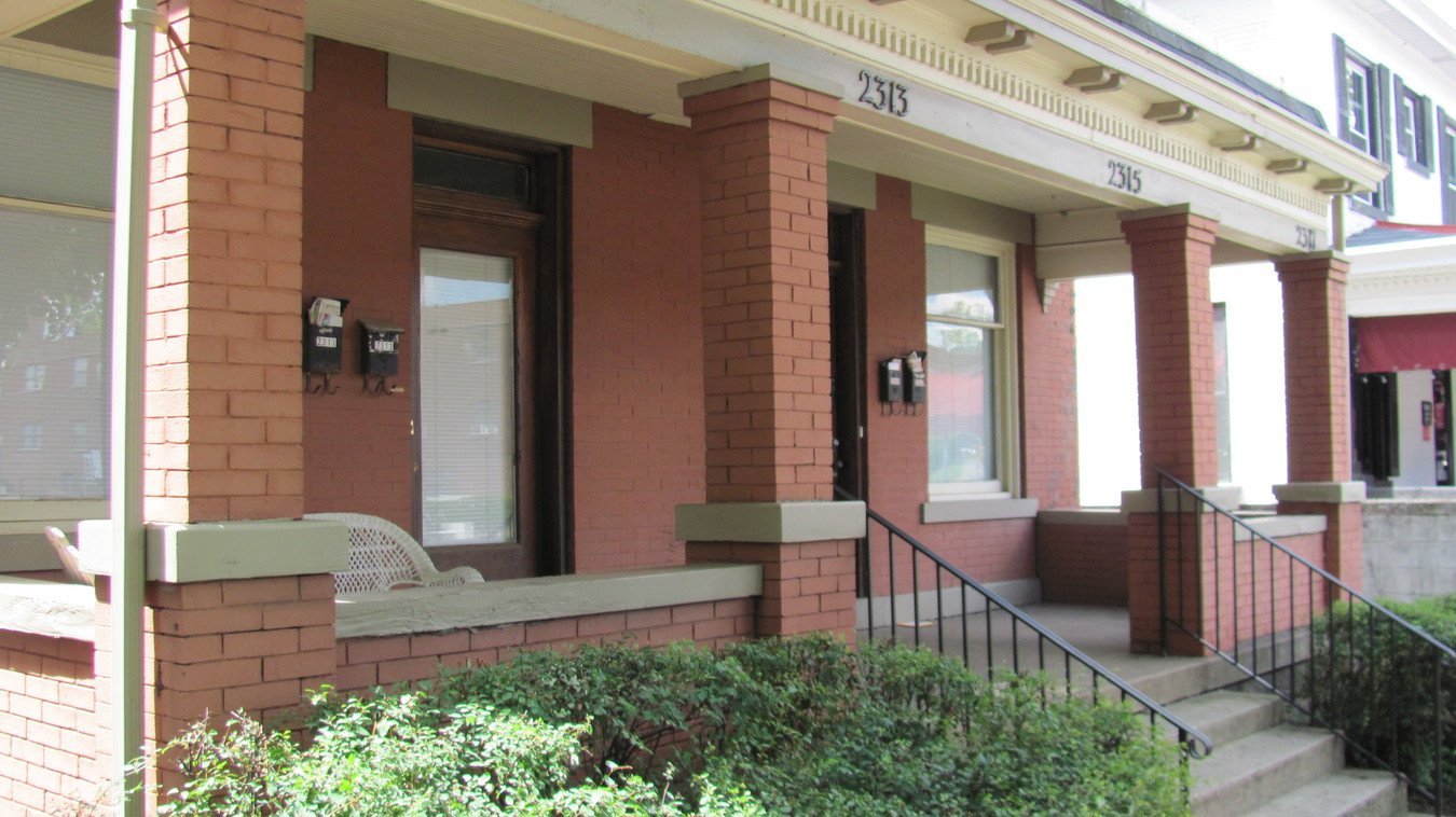 Studio 1 Bathroom Apartment for rent at 2313 N High Street in Columbus, OH