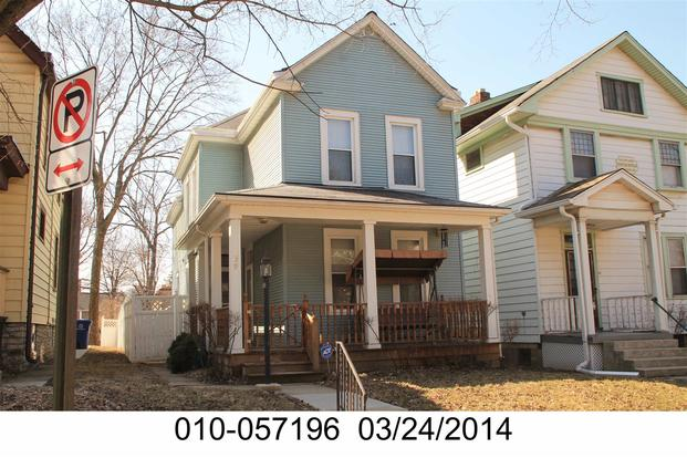 3 Bedrooms 1 Bathroom House for rent at 39 W Oakland Ave in Columbus, OH