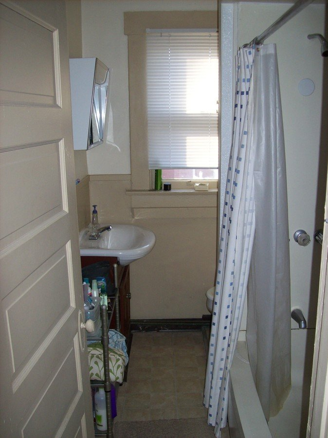 2 Bedrooms 1 Bathroom Apartment for rent at 2307 N High Street in Columbus , OH