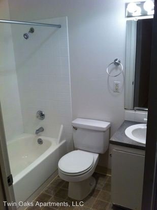 1 Bedroom 1 Bathroom Apartment for rent at Twin Oaks Apartments 5263 15th Avenue N.e. in Seattle, WA