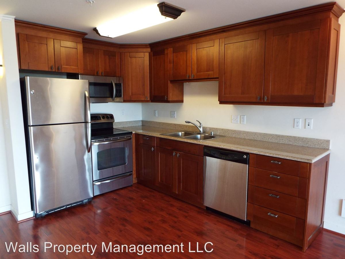 1 Bedroom 1 Bathroom Apartment for rent at 4218 Stone Way Ave. N in Seattle, WA