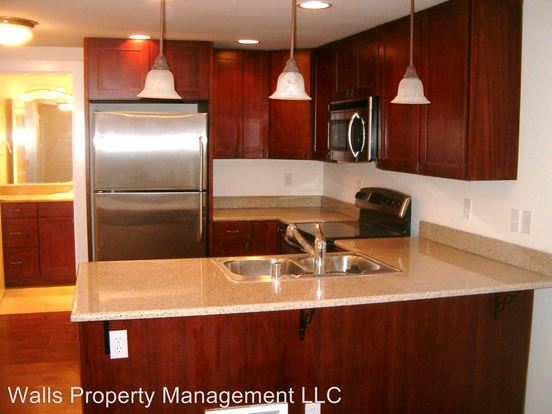 2 Bedrooms 1 Bathroom Apartment for rent at 2827 14th Ave W in Seattle, WA