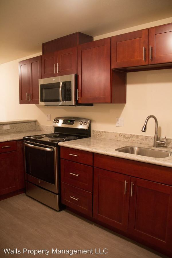 3 Bedrooms 3 Bathrooms Apartment for rent at 2501 Thorndyke Ave W. in Seattle, WA
