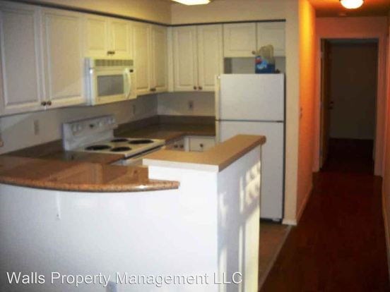 2 Bedrooms 1 Bathroom Apartment for rent at 1307 N. 43rd Street in Seattle, WA