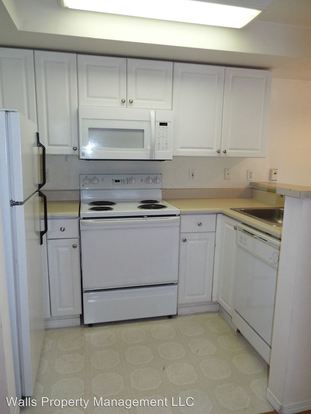 Studio 1 Bathroom Apartment for rent at 1307 N. 43rd Street in Seattle, WA