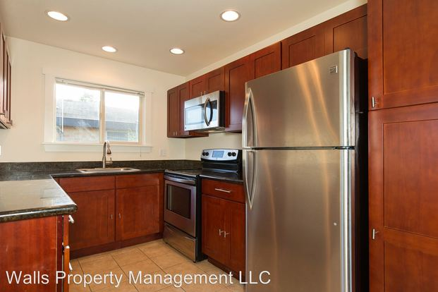 3 Bedrooms 1 Bathroom Apartment for rent at 4245 27th Avenue W. in Seattle, WA