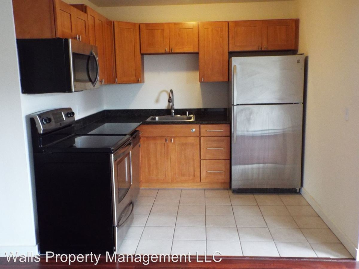 2 Bedrooms 1 Bathroom Apartment for rent at 4245 27th Avenue W. in Seattle, WA