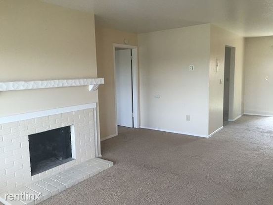 2 Bedrooms 2 Bathrooms House for rent at 3446 S Akron St in Denver, CO