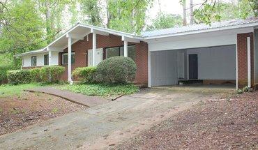 Similar Apartment at 550 Rivermont