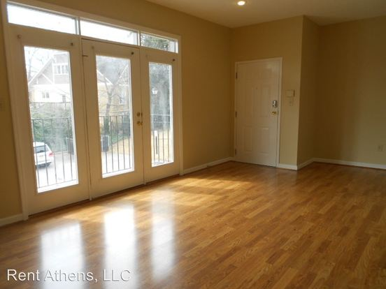 1 Bedroom 1 Bathroom Apartment for rent at 1570 S. Lumpkin Street 10 Units in Athens, GA