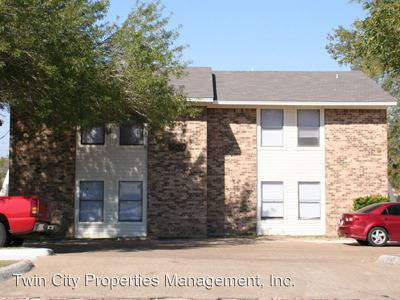 2 Bedrooms 1 Bathroom Apartment for rent at 2509 Pecan Ridge in Bryan, TX