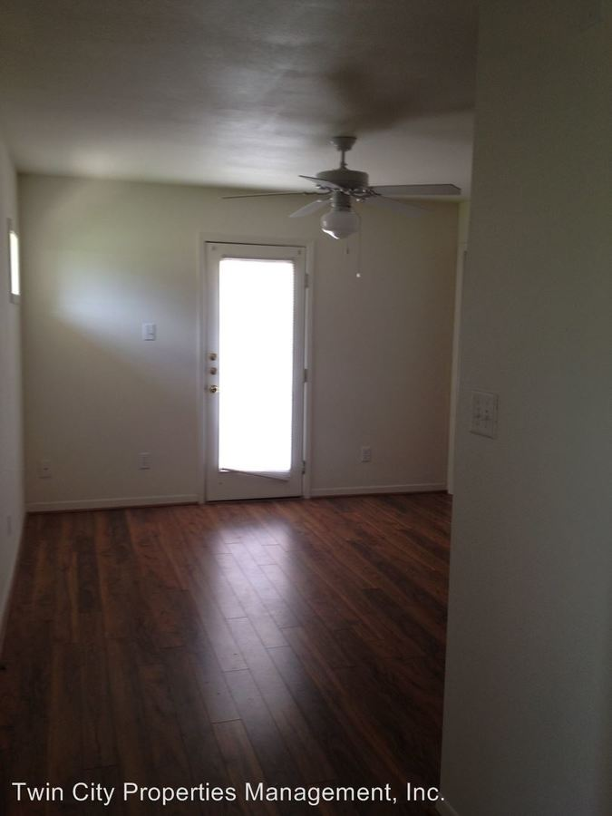 2 Bedrooms 2 Bathrooms Apartment for rent at 1601 S. College Ave in Bryan, TX
