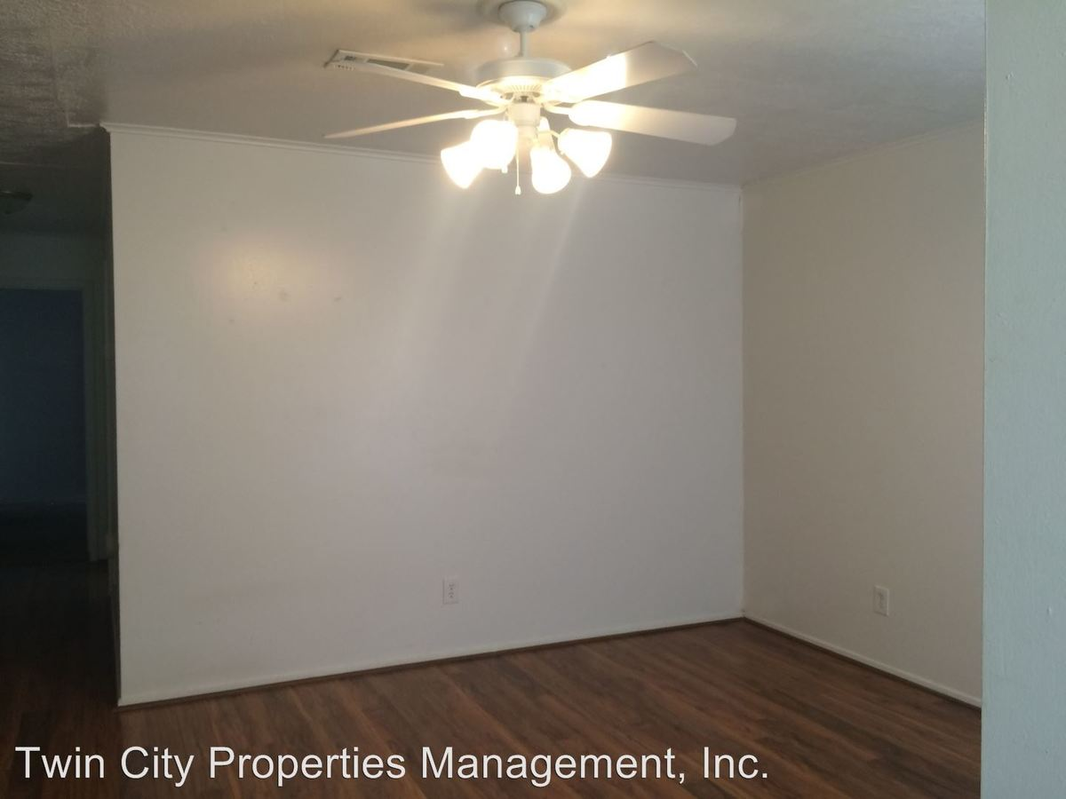 2 Bedrooms 1 Bathroom Apartment for rent at 3513 Curtis in Bryan, TX