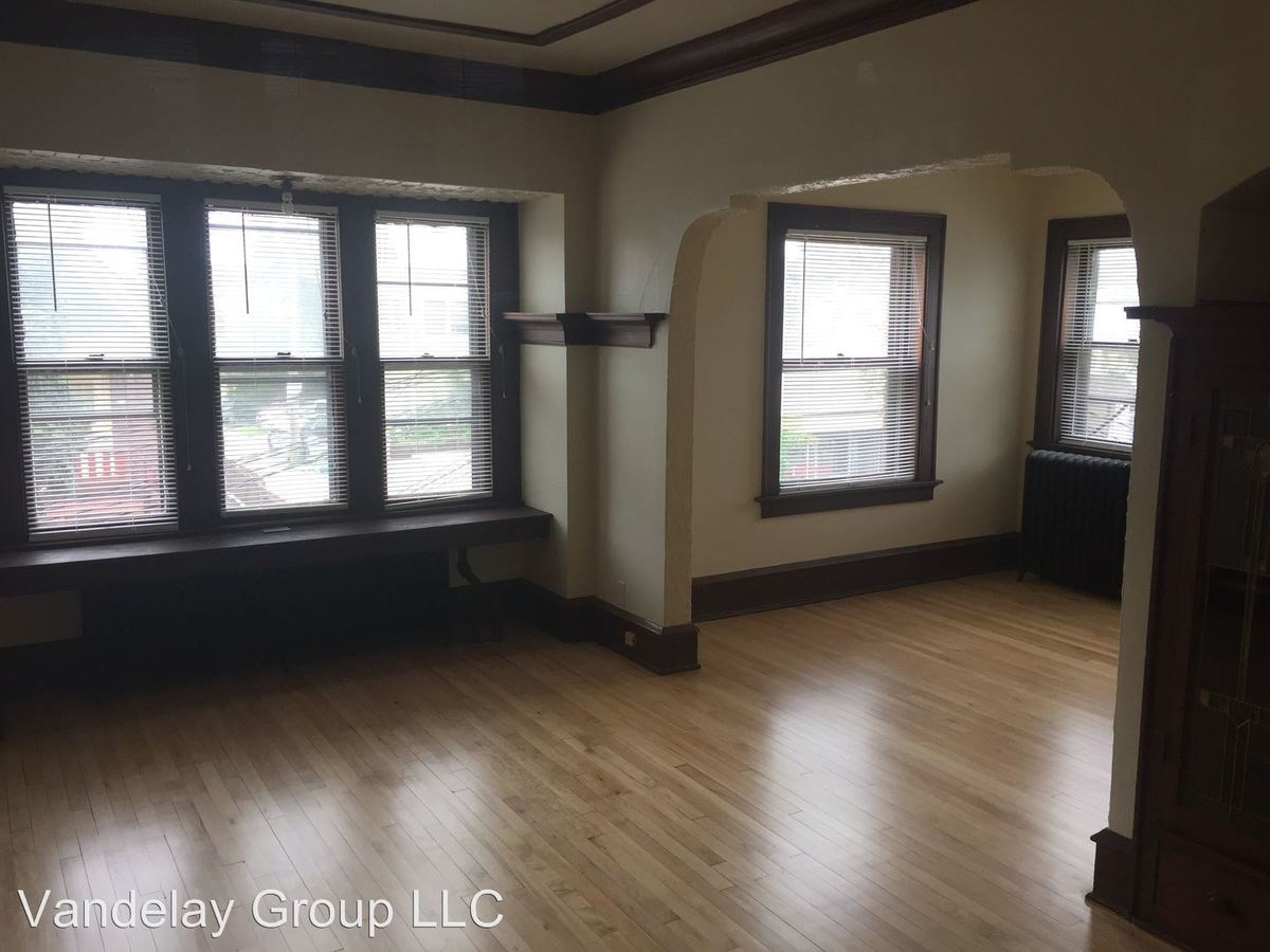 2 Bedrooms 1 Bathroom Apartment for rent at 815 E Locust St in Milwaukee, WI