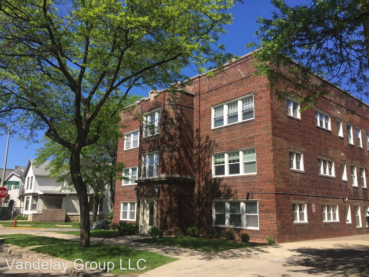1 Bedroom 1 Bathroom Apartment for rent at 1544 N Humboldt Ave in Milwaukee, WI