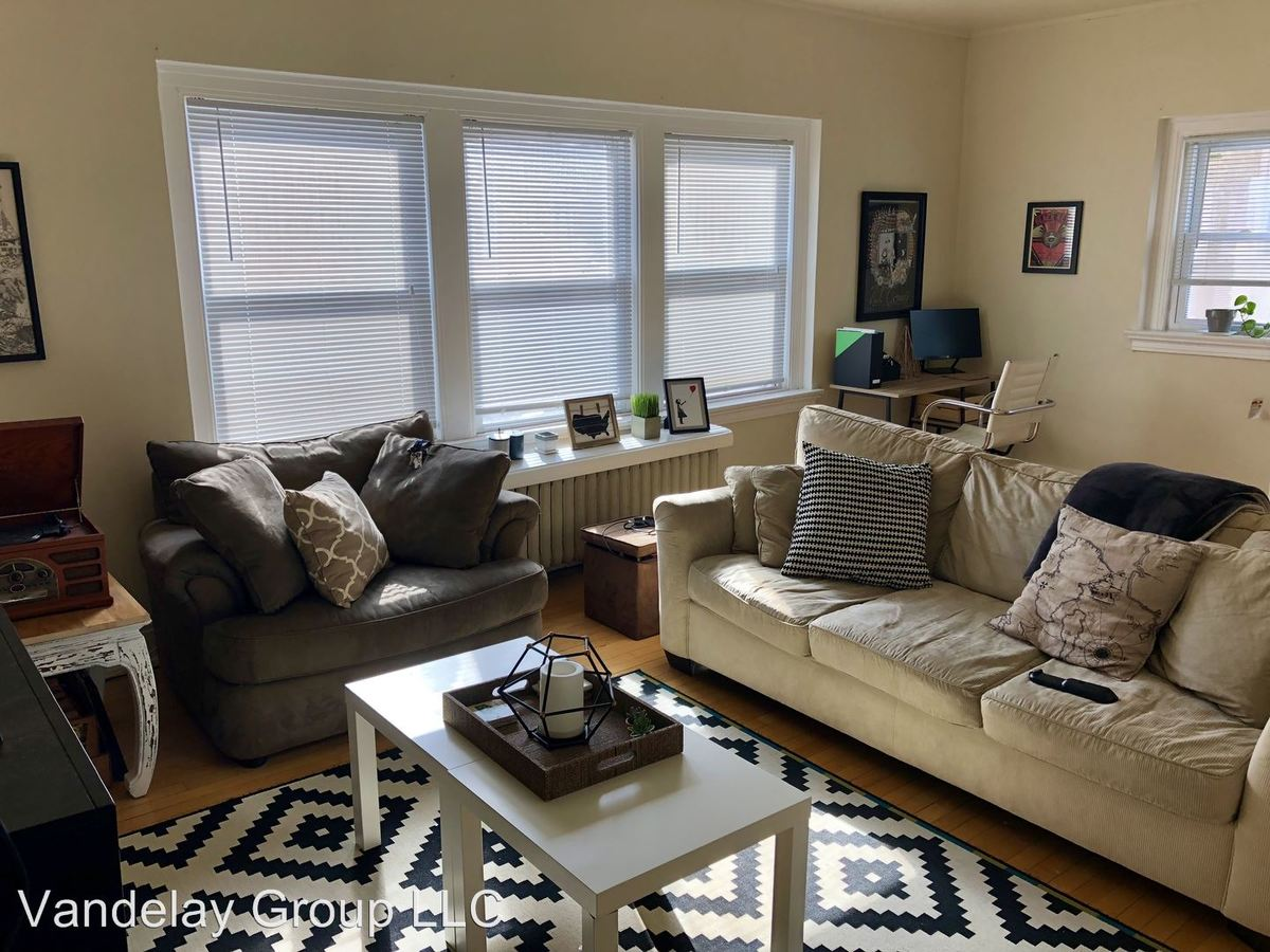Studio 1 Bathroom Apartment for rent at 1544 N Humboldt Ave in Milwaukee, WI
