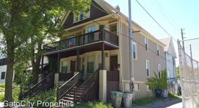Similar Apartment at 2713 N Fratney St