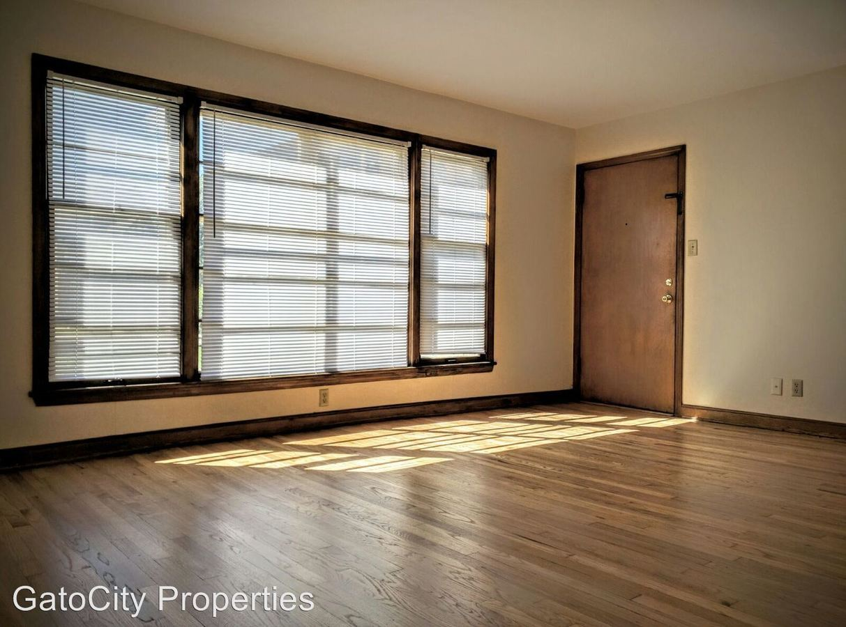 1 Bedroom 1 Bathroom Apartment for rent at 7254 W Center St in Wauwatosa, WI