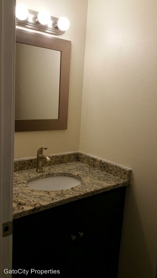 3 Bedrooms 1 Bathroom Apartment for rent at 12415 W Greenfield Ave in New Berlin, WI
