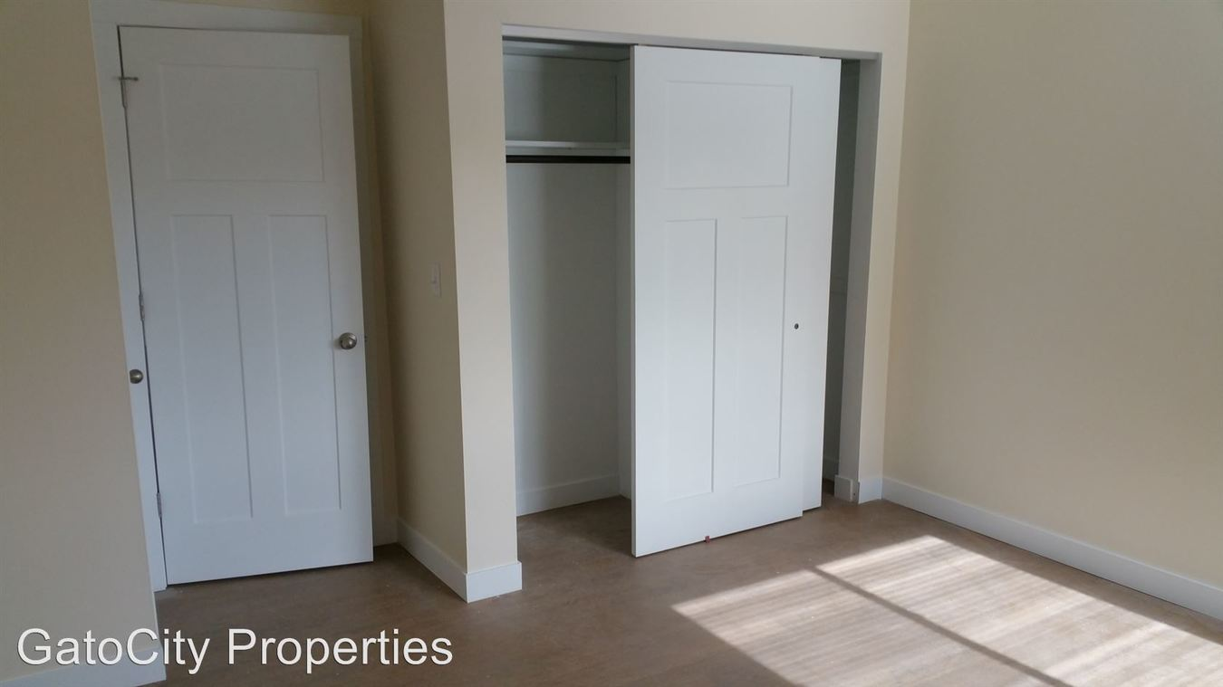 2 Bedrooms 1 Bathroom Apartment for rent at 12415 W Greenfield Ave in New Berlin, WI