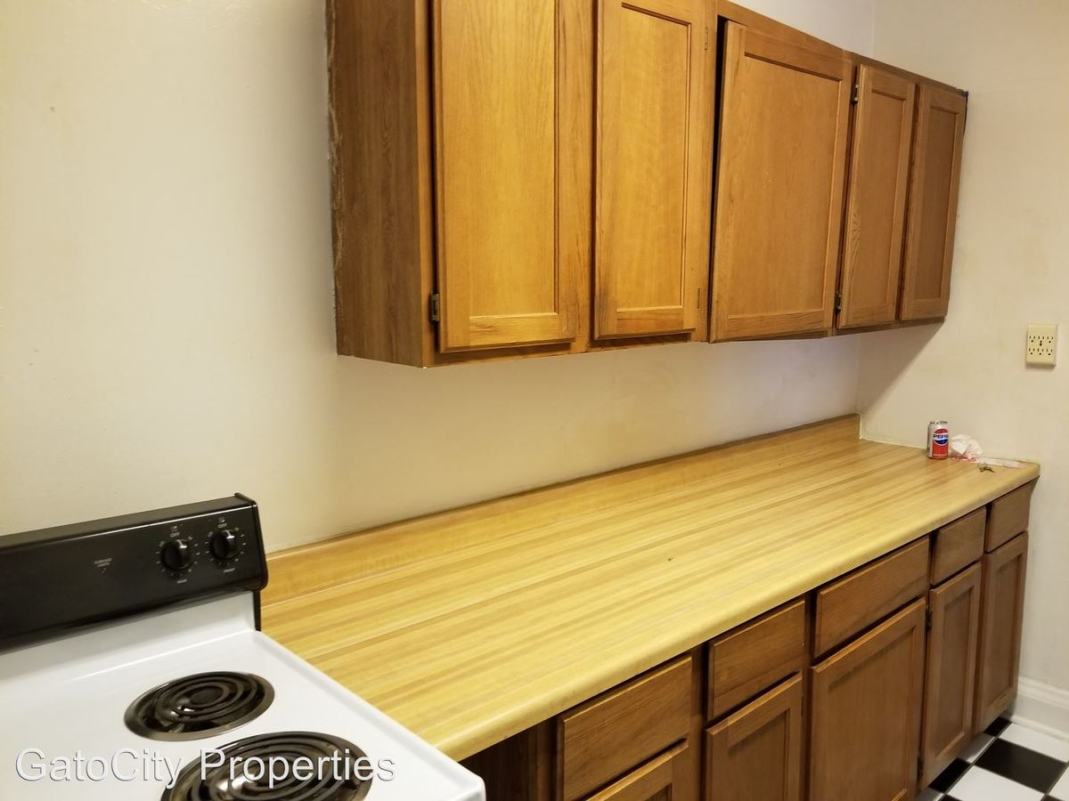 1 Bedroom 1 Bathroom Apartment for rent at 5225 S Lake Dr in Cudahy, WI