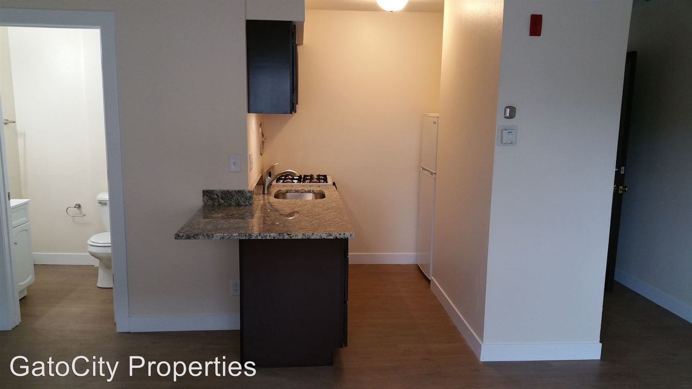 Studio 1 Bathroom Apartment for rent at 1535 N Van Buren St in Milwaukee, WI