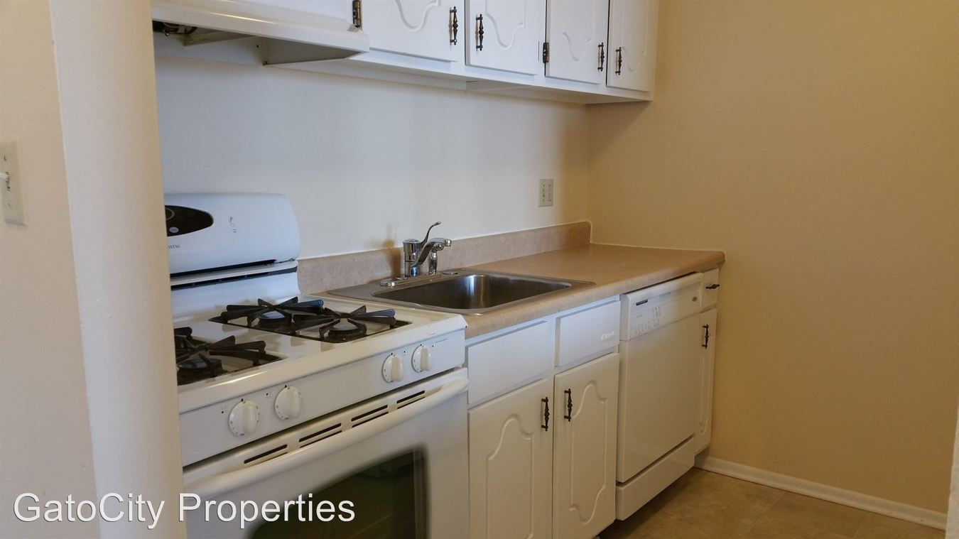 2 Bedrooms 1 Bathroom Apartment for rent at 931 E Russell Ave in Milwaukee, WI