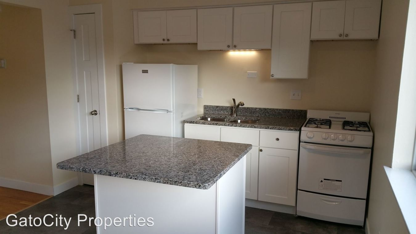 1 Bedroom 1 Bathroom Apartment for rent at 1441 N Franklin Pl in Milwaukee, WI