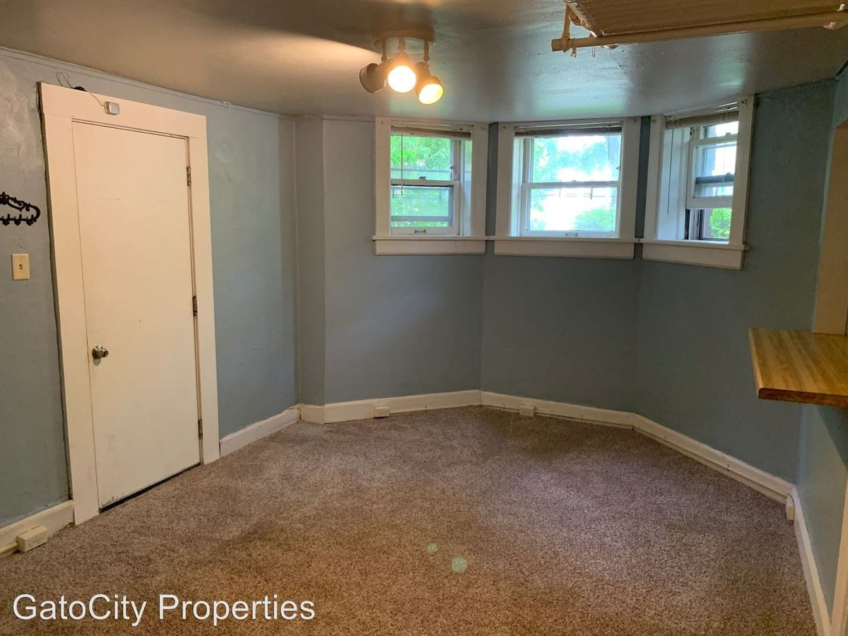 1 Bedroom 1 Bathroom Apartment for rent at 1838 N Oakland Ave in Milwaukee, WI