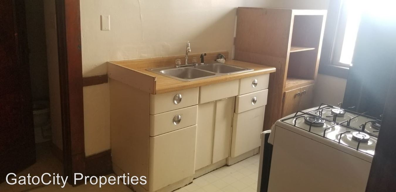 Studio 1 Bathroom Apartment for rent at 3638 E Plankinton Ave in Cudahy, WI