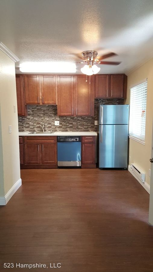 2 Bedrooms 1 Bathroom Apartment for rent at 570 Hampshire Avenue in Redwood City, CA