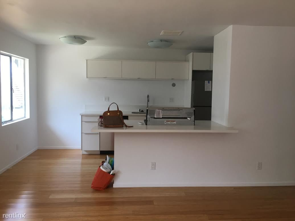 2 Bedrooms 1 Bathroom Apartment for rent at 249 S Avenue 55 in Highland Park, CA