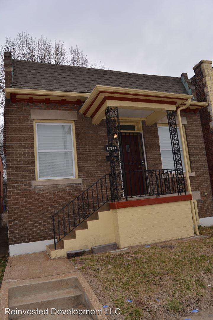 Similar Apartment at 3442 Minnesota