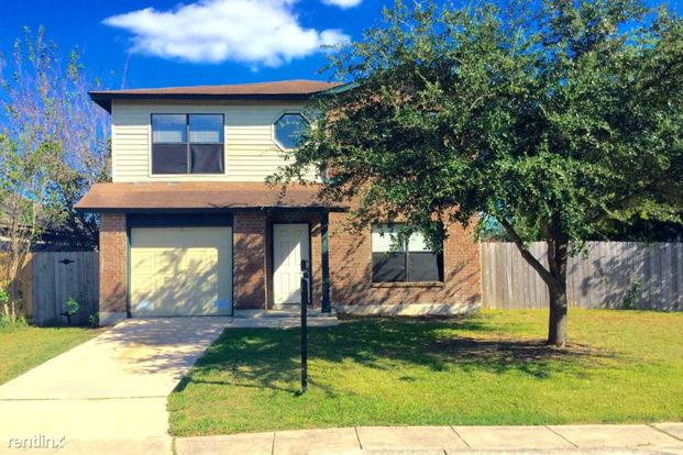 3 Bedrooms 2 Bathrooms House for rent at 7010 Flint View in San Antonio, TX