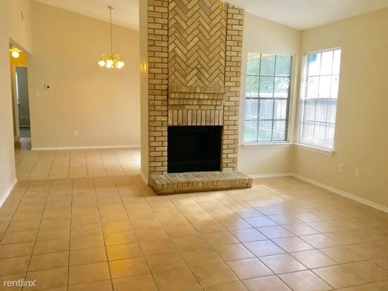 3 Bedrooms 2 Bathrooms House for rent at 5206 Lakebend East Drive in San Antonio, TX