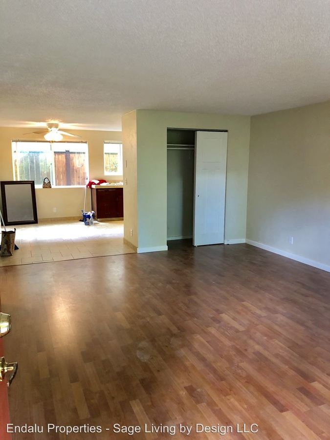 1 Bedroom 1 Bathroom Apartment for rent at 1012 W 4th Ave in Eugene, OR