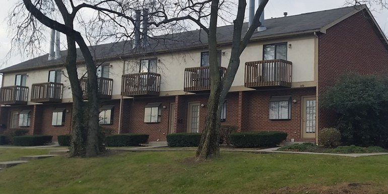 3 Bedrooms 2 Bathrooms Apartment for rent at 1575 Virginia Ave in Grandview Heights, OH