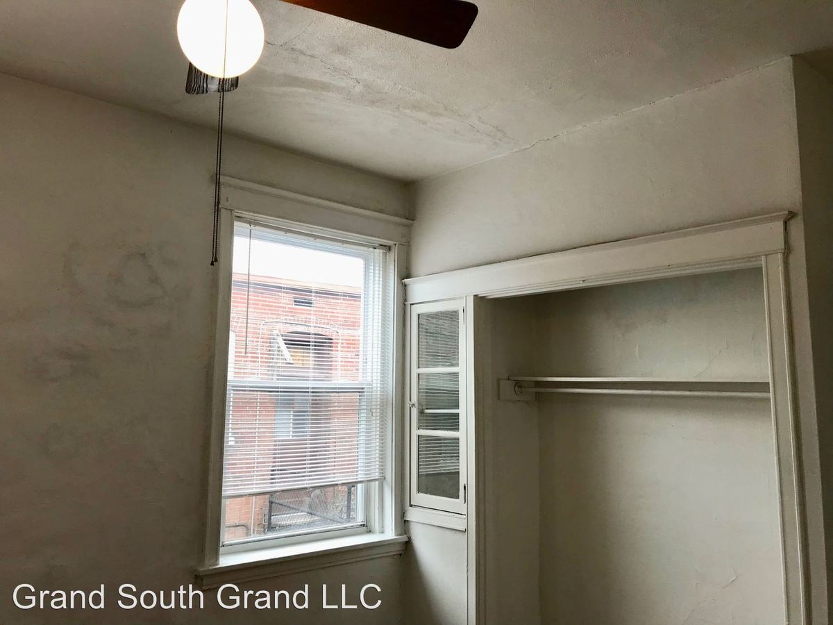 1 Bedroom 1 Bathroom Apartment for rent at 4917-19 Mcpherson Avenue 100-318 in St Louis, MO