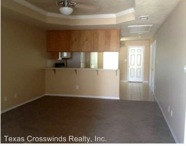 3 Bedrooms 2 Bathrooms Apartment for rent at 1404/1406 Western Oaks in Bryan, TX