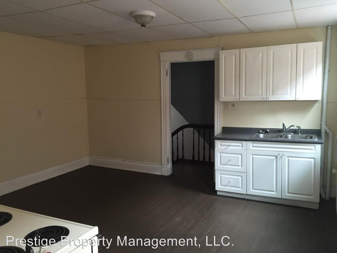 3 Bedrooms 1 Bathroom Apartment for rent at 2312 Flora St in Cincinnati, OH