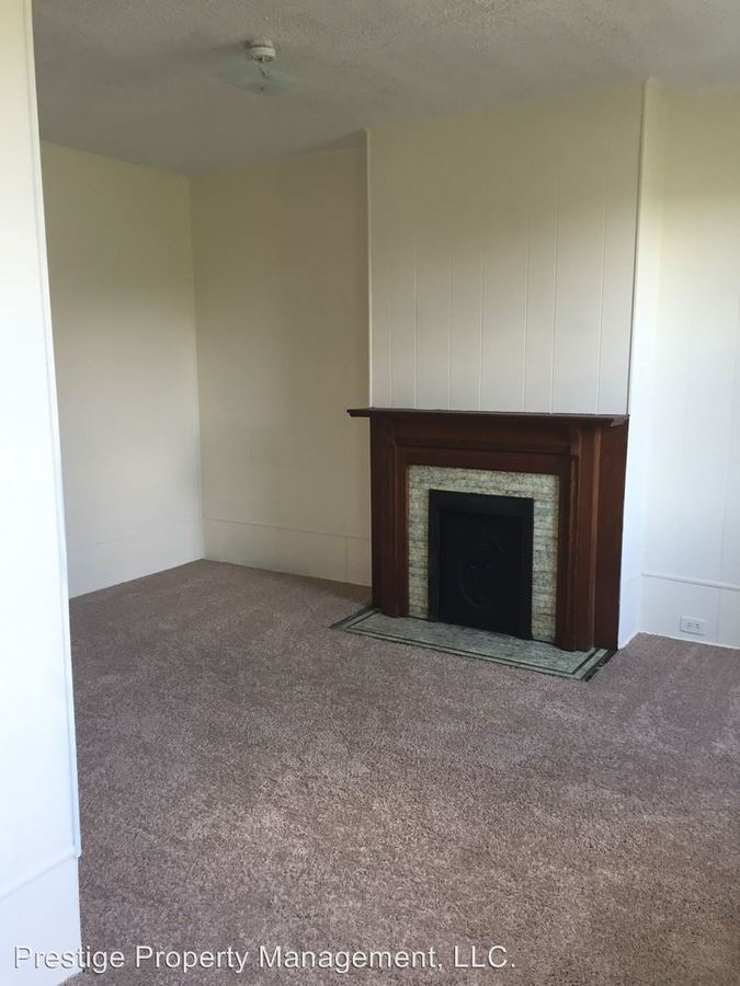 2 Bedrooms 1 Bathroom Apartment for rent at 2413 Clifton Ave in Cincinnati, OH