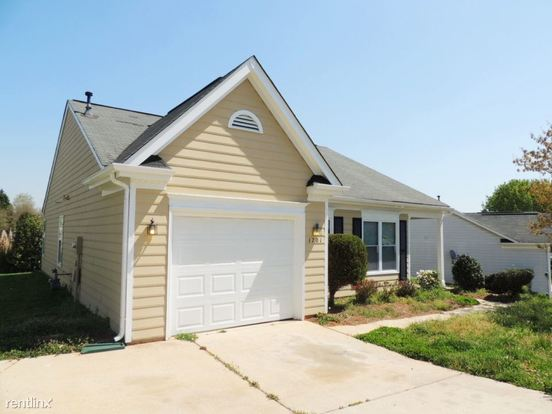 3 Bedrooms 2 Bathrooms House for rent at 1701 Gordon Walters Drive in Charlotte, NC