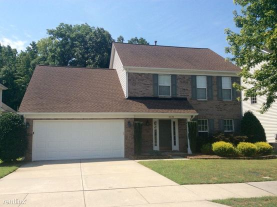 4 Bedrooms 2 Bathrooms House for rent at 2636 Sunberry Lane Nw in Concord, NC