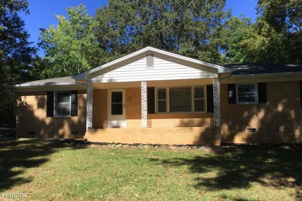3 Bedrooms 2 Bathrooms House for rent at 2519 Arnold Drive in Monroe, NC